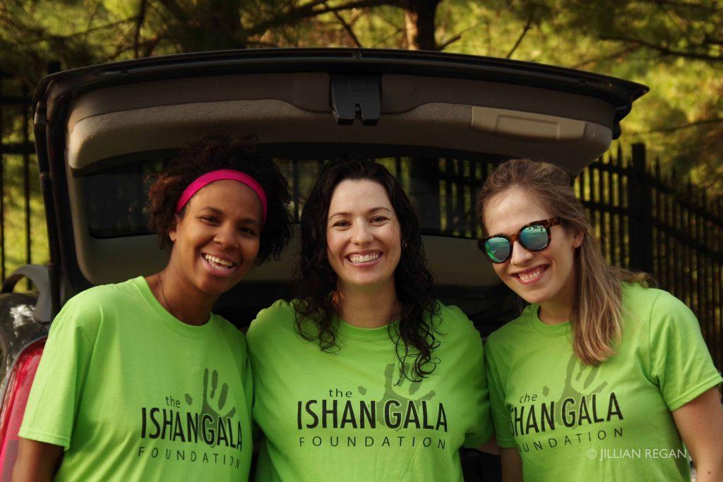 Volunteers at Ishan Gala 5K Splash for a Cure